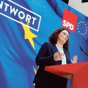 Le gouvernement Merkel fragilisé par la démission de la patronne du SPD
