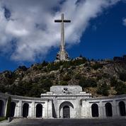 L'exhumation de Franco suspendue