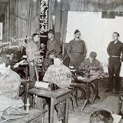 «Quelque part en France», dans la salle de presse des reporters de guerre du Débarquement