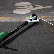 Un utilisateur de trottinette meurt après avoir été percuté par une camionnette à Paris