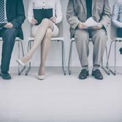 Débaucher dans le privé reste compliqué