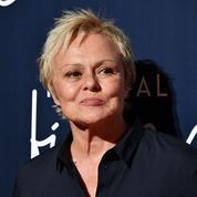 Muriel Robin se confie sur les agressions homophobes qu'elle a subies