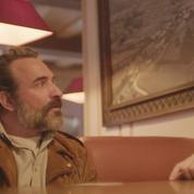 Le Clash Culture :Le Daim avec Jean Dujardin, comédie surréaliste ou film vide de sens?