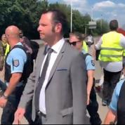 «Gilets jaunes»: à Senlis, des manifestants ont fait reculer le sous-préfet
