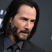 «Petit ami d'Internet» et chouchou d'Hollywood, les secrets du grand retour de Keanu Reeves