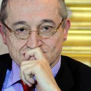 Le chantre de l'«union des droites», Paul-Marie Coûteaux, rejoint le Parti Chrétien démocrate