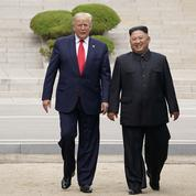 Donald Trump devient le premier président américain à entrer en Corée du Nord