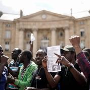 Des «gilets noirs» occupent le Panthéon