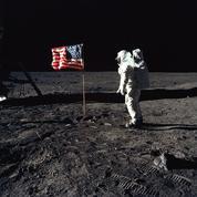 Lune - Apollo 11: «Allô Houston! Ici, la base de la Tranquillité, l'Aigle a atterri.»