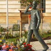 Finale de la CAN: la statue du général de Gaulle dégradée à Évreux