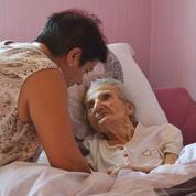 Familles d'accueil pour personnes âgées: une alternative à l'Ehpad?