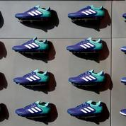 Adidas reprend des couleurs partout dans le monde