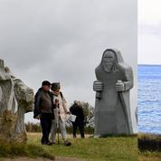 En Bretagne, la Vallée des Saints et ses géants de pierre jumelés avec l'île de Pâques