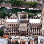Après trois semaines d'arrêt, le chantier de Notre-Dame reprend sous haute surveillance