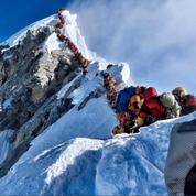 «Embouteillages» sur l'Everest: le Népal réserve l'accès aux alpinistes expérimentés