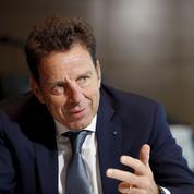 Pour les patrons, Macron doit continuer à réformer