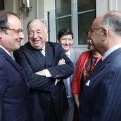 François Hollande n'est jamais très loin de Bernard Cazeneuve