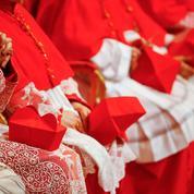 Le Pape s'applique à remodeler le conclave