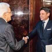Giuseppe Conte prend la tête d'une alliance inédite en Italie