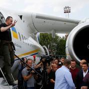 La Russie et l'Ukraine échangent des prisonniers dont le cinéaste Oleg Sentsov