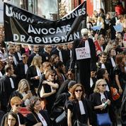Retraite: la démonstration de force des avocats, médecins et pilotes pour sauver leur régime