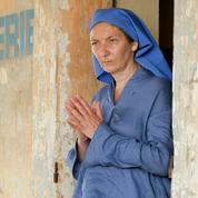 Colombine :Corinne Masiero, de la chapka au voile de nonne