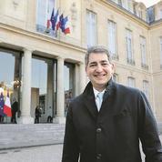 Jean Rottner, président du Grand Est, renfile sa blouse d'urgentiste