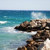 Réchauffement climatique: la côte méditerranéenne est rongée par les vagues