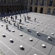 De Buren à Jeff Koons, ces œuvres d'art qui ont fait jaser Paris