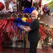130 ans du Moulin Rouge: l'habilleur officiel des danseuses