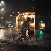 Le Japon se prépare à affronter le puissant typhon Hagibis