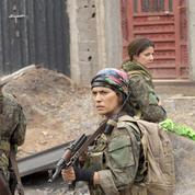 Sœurs d'armes: des vétérans de Syrie dénoncent une mauvaise propagande