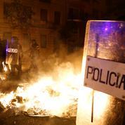 Espagne: violences en Catalogne pour la troisième nuit consécutive, 97 arrestations