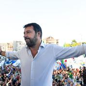 Italie: entre 70.000 et 200.000 personnes rassemblées contre le gouvernement à l'appel de Salvini
