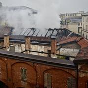 Le toit de l'Écurie royale de Turin dévasté par un incendie