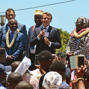 À Mayotte, Macron affiche sa fermeté face au défi de l'immigration
