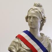 Il accuse le gouvernement de suivre «les pas de Vichy» ,l'État porte plainte