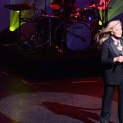 «Johnny et moi, ça dure encore», lance Sylvie Vartan dans son concert hommage