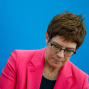 Allemagne: AKK, la dauphine de Merkel, en grande difficulté