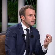 Macron: «Le port du voile dans l'espace public n'est pas mon affaire»