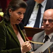 Pour les immigrés en France, deux systèmes de soins différents et des dérives