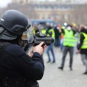 Violences policières contre les «gilets jaunes»: 54 classements sans suite