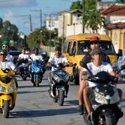À Cuba, le scooter électrique contre les pénuries de carburant
