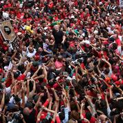 À peine sorti de prison, Lula à la reconquête du Brésil