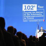 Discours de Macron: les élus le jugent plus proche d'eux mais attendent des actes