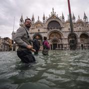 Venise: pourquoi les bâtiments sont-ils devenus si fragiles?