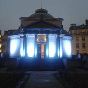 5 monuments parisiens s'éclairent aux couleurs de l'Unicef à l'occasion de la «Journée mondiale de l'enfance»