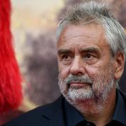 10 mois de prison avec sursis requis contre Luc Besson pour licenciement abusif