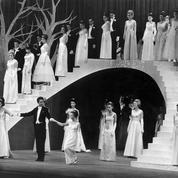 Le Bal des débutantes en 1963 s'ouvrait sur un ballet de Muriel Belmondo