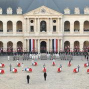 Les images de la cérémonie d'hommage aux Invalides pour les 13 soldats tués au Mali
